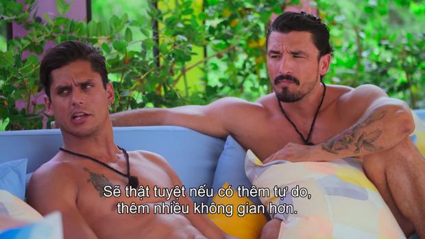 Trại kiêng sex bất ngờ sắp xếp cuộc hẹn riêng cho 2 trai hư, định tạo cặp LGBT đầu tiên tại Too Hot To Handle? - Ảnh 1.