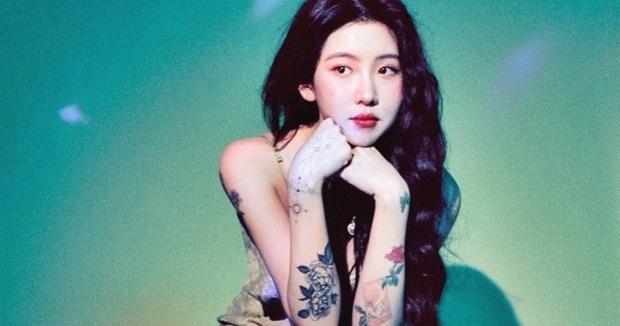 """Có ai còn nhớ Rosé (BLACKPINK) thời """"em còn non và xanh"""" thế nào không, nhìn cứ ngỡ chị em thất lạc với nữ idol nhà JYP này - Ảnh 7."""