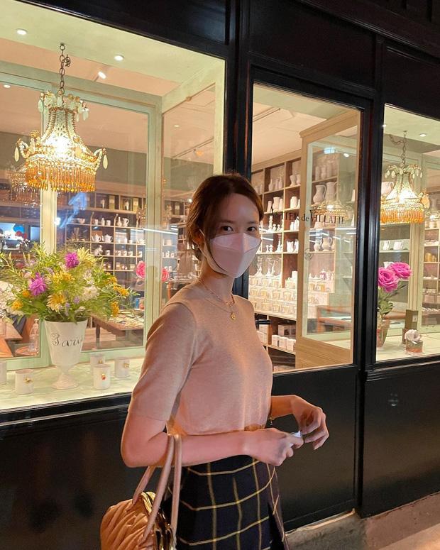 Ảnh đời thường bóc trần nhan sắc của Yoona - nữ thần bao người tung hô, vóc dáng ra sao mà netizen ngỡ ngàng? - Ảnh 2.