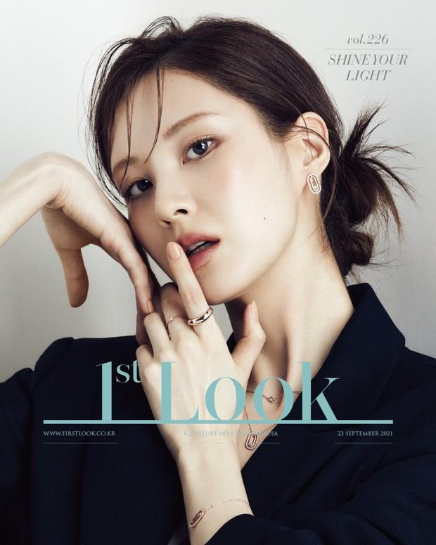 Seohyun lộ cả mảng lưng trần trắng nõn sexy trên tạp chí: Em út ngoan hiền của SNSD ngày nào giờ lột xác thật rồi! - Ảnh 5.