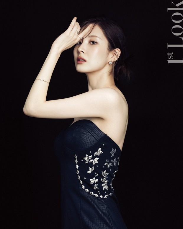 Seohyun lộ cả mảng lưng trần trắng nõn sexy trên tạp chí: Em út ngoan hiền của SNSD ngày nào giờ lột xác thật rồi! - Ảnh 4.