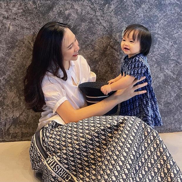 Ái nữ mới 1 tuổi, mẹ bỉm Đàm Thu Trang quyết định lập gia tài riêng giống nhà Hoà Minzy, Đông Nhi? - Ảnh 5.