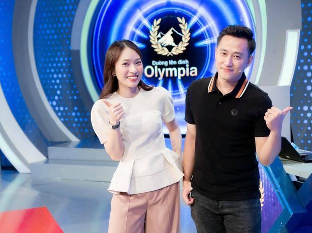 Diệp Chi - Khánh Vy: Đồng hương Nghệ An lệch nhau 13 tuổi, giỏi giang nức tiếng và cùng là MC Đường Lên Đỉnh Olympia - Ảnh 8.