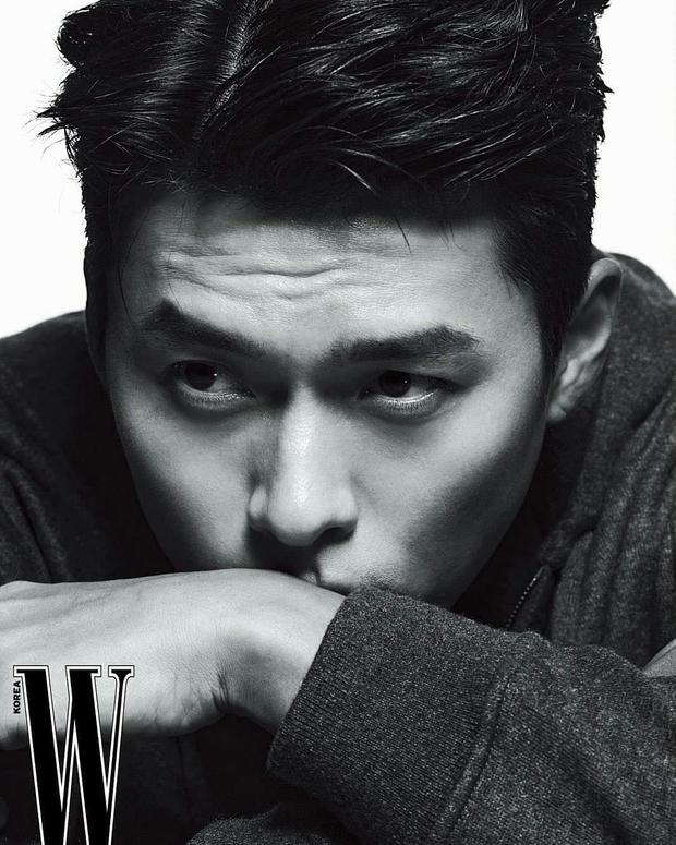 Nam thần Hyun Bin tung bộ ảnh lộ cả khuyết điểm mà chị em vẫn gào thét: Đúng là có người yêu vào có khác, visual lên hương hẳn - Ảnh 4.