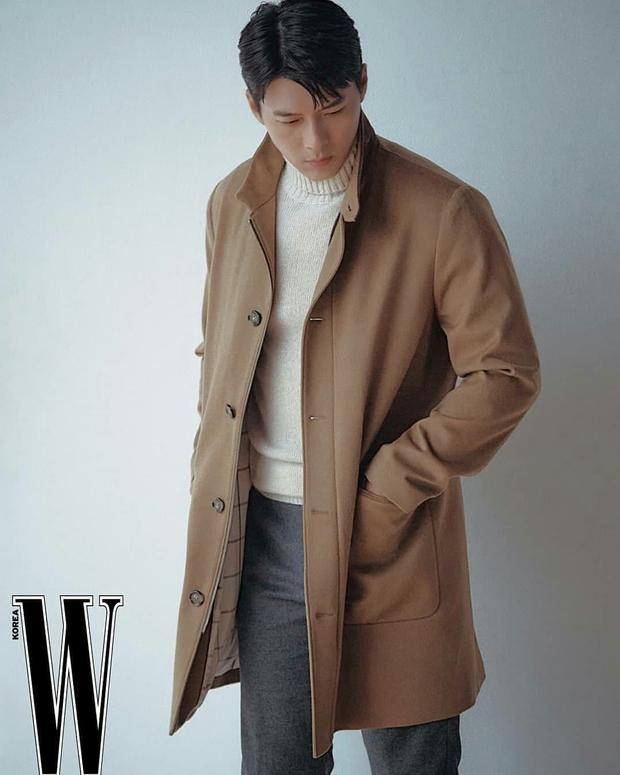 Nam thần Hyun Bin tung bộ ảnh lộ cả khuyết điểm mà chị em vẫn gào thét: Đúng là có người yêu vào có khác, visual lên hương hẳn - Ảnh 8.