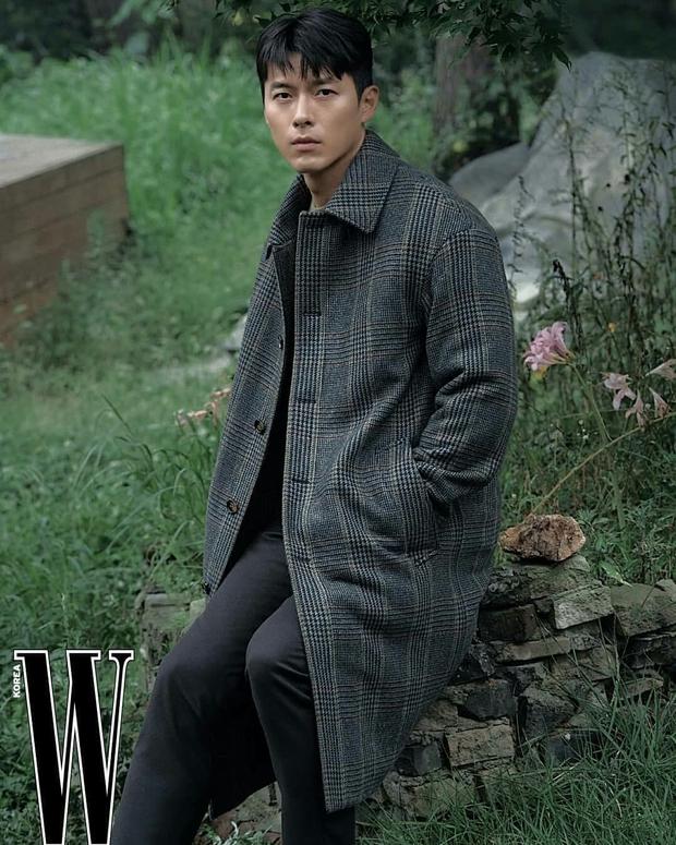 Nam thần Hyun Bin tung bộ ảnh lộ cả khuyết điểm mà chị em vẫn gào thét: Đúng là có người yêu vào có khác, visual lên hương hẳn - Ảnh 10.