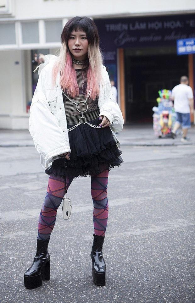 Chúng ta đã có những mùa Fashion Week đầy rẫy thảm hoạ gây chấn thương tâm lý như thế... - Ảnh 3.