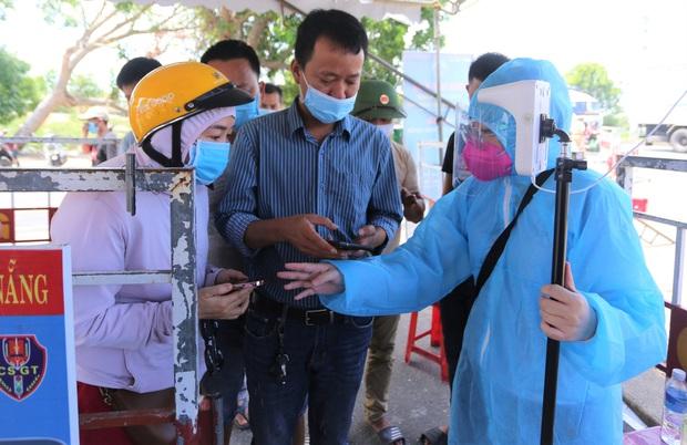 Đà Nẵng cho phép người dân không bị phong tỏa được ra khỏi thành phố - Ảnh 2.