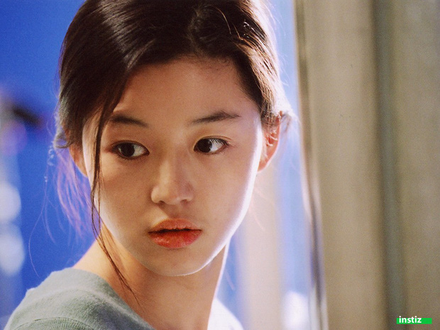 """Thế nào là """"tình đầu quốc dân""""? Đây là những khoảnh khắc kinh diễm giúp dàn nữ thần Hàn có được danh hiệu này - Ảnh 4."""
