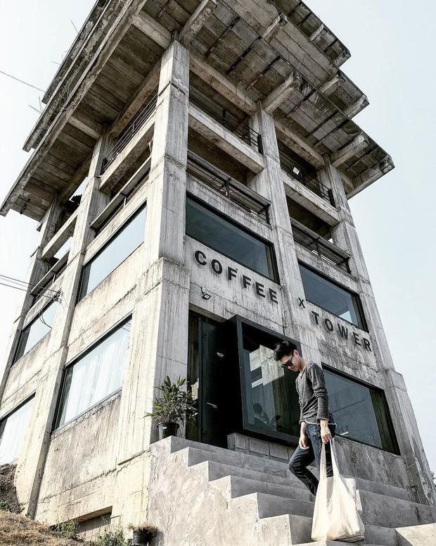 Biến toà nhà bỏ đi thành tiệm cafe đẹp đến ngơ ngác ở Chiangmai, dân mê kinh dị tò mò đêm về trông nó sẽ như thế nào? - Ảnh 6.