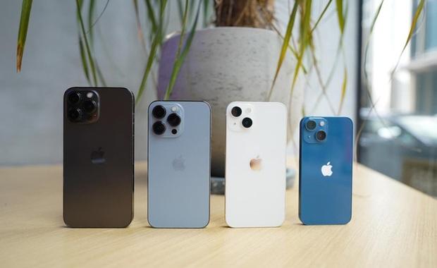 Dung lượng pin dòng iPhone 13 cao hơn đáng kể so với thế hệ trước, tiệm cận với nhiều smartphone Android - Ảnh 1.