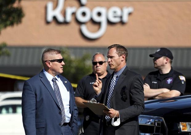 Xả súng trong cửa hàng tạp hóa tại Mỹ khiến 1 người thiệt mạng, hàng chục người bị thương - Ảnh 1.