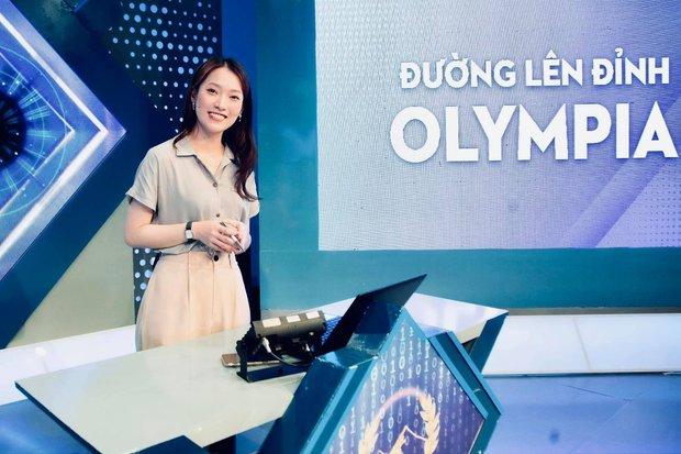 Phản ứng bùng nổ của khán giả khi Khánh Vy trở thành MC chính thức Đường Lên Đỉnh Olympia: Quá đỉnh, quá giỏi! - Ảnh 1.