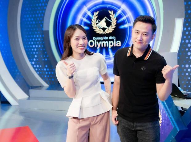 Phản ứng bùng nổ của khán giả khi Khánh Vy trở thành MC chính thức Đường Lên Đỉnh Olympia: Quá đỉnh, quá giỏi! - Ảnh 2.