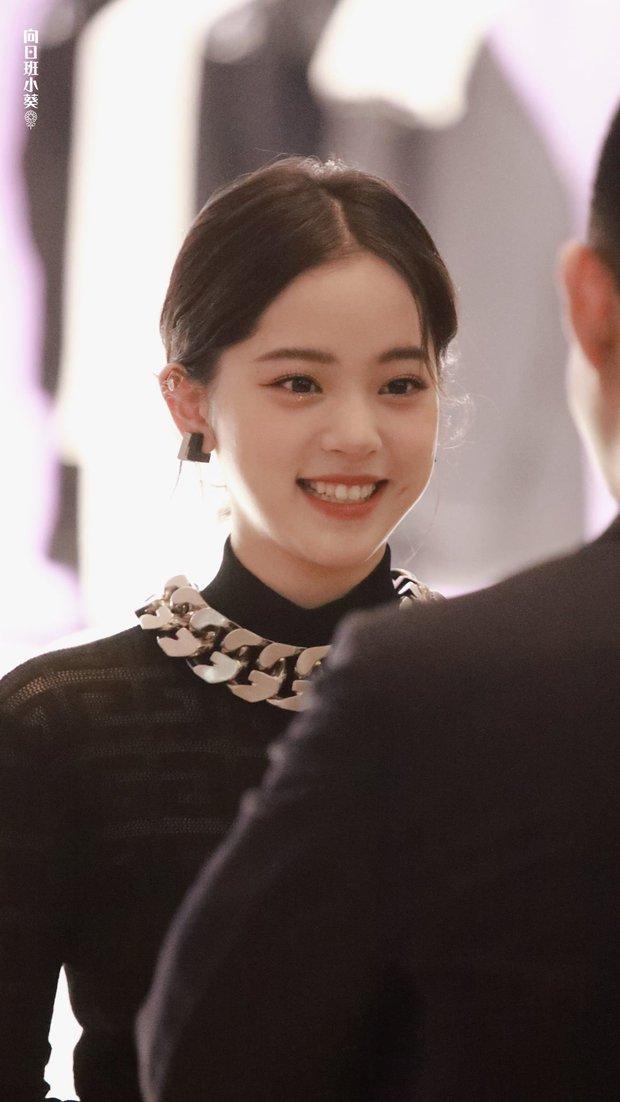 Màn sốc visual của 1 nữ thần Cbiz hiện gây bão Weibo: Nhan sắc tựa idol Kpop, body hậu giảm cân còn đẳng cấp hơn - Ảnh 8.