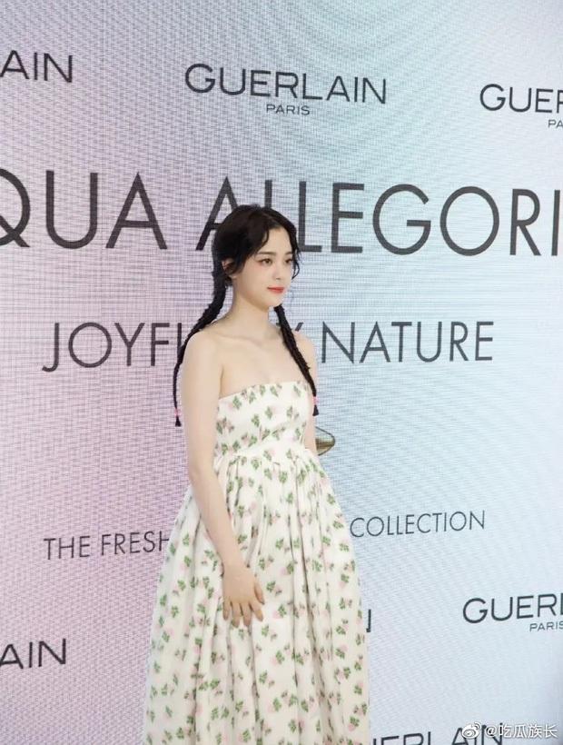 Màn sốc visual của 1 nữ thần Cbiz hiện gây bão Weibo: Nhan sắc tựa idol Kpop, body hậu giảm cân còn đẳng cấp hơn - Ảnh 13.