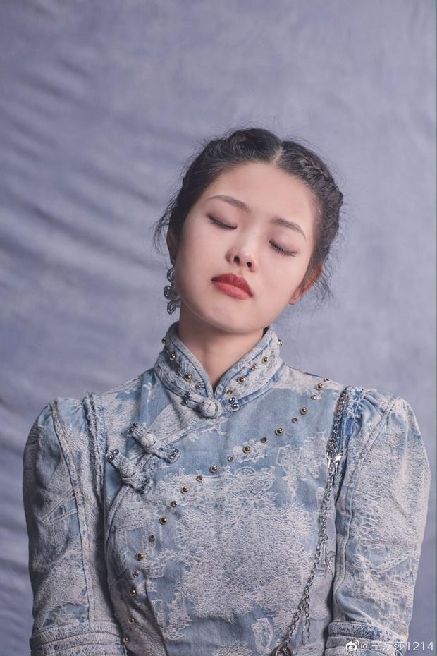 Sao nhí bị chê xấu nhất Trung Quốc dậy thì xinh như mộng, nhưng đóng phim mãi chẳng nổi như xưa - Ảnh 5.
