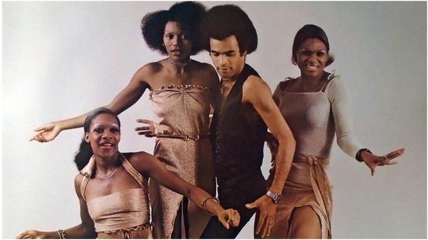 Vụ lừa đảo lớn nhất lịch sử âm nhạc: Nhóm 4 người siêu nổi tiếng nhưng chỉ 1 người biết hát, giọng nam chính iconic lại là của ông bầu! - Ảnh 7.