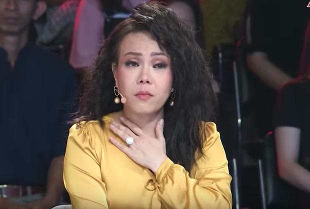 Xót xa cảnh tro cốt ca sĩ Y Jang Tuyn trở về với gia đình, Việt Hương nói gì mà nghe quá xúc động? - Ảnh 4.