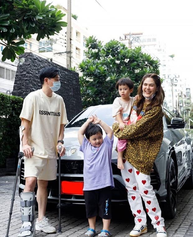Nữ hoàng showbiz Thái Lan Chompoo Araya thông báo mang thai lần 2 với tỷ phú khét tiếng ở tuổi 40 - Ảnh 9.