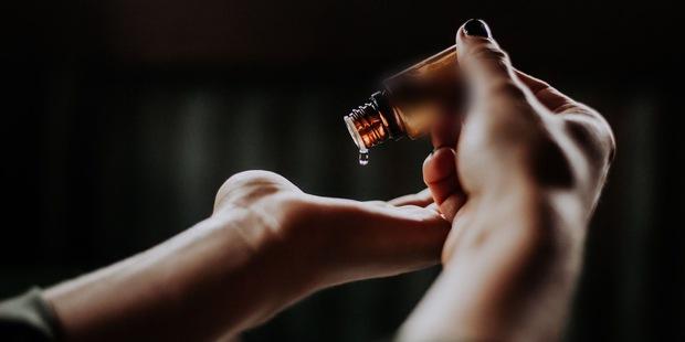 Cải lão hoàn đồng bằng tế bào gốc: Sự thật không như mơ phía sau mũi tiêm tiền tỷ giúp chị em ăn bớt đến 20 tuổi - Ảnh 1.