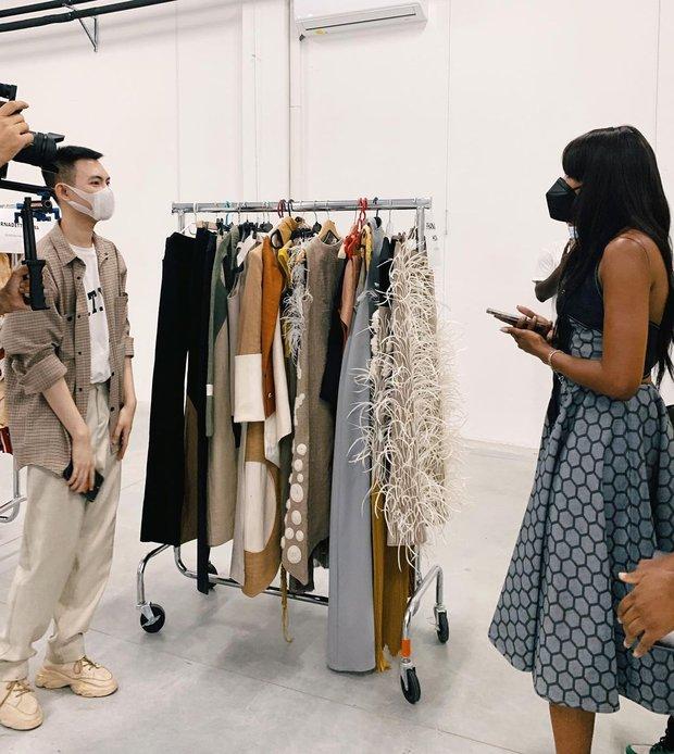 NTK người Việt có BST thuộc khuôn khổ tuần lễ thời trang Milan được Bà Hoàng Mùa Đông khen ngợi, siêu mẫu Naomi Campbell muốn mặc thử đồ là ai? - Ảnh 4.