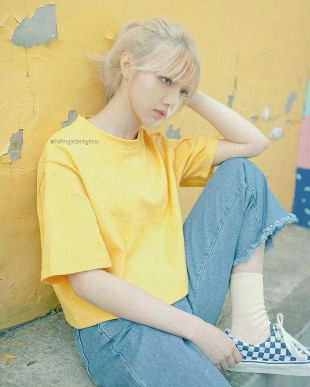 Nhìn bộ sưu tập quần tập nhảy đến outfit thường ngày, Lisa đích thị là cô gái mê màu vàng thứ hai thì không ai chủ nhật! - Ảnh 9.