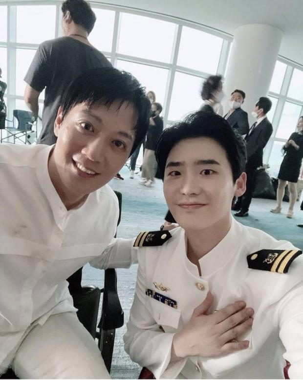 Lee Jong Suk - Cha Eun Woo lần đầu lộ diện chung ở phim mới, visual nhân đôi thế này ai chịu nổi - Ảnh 5.