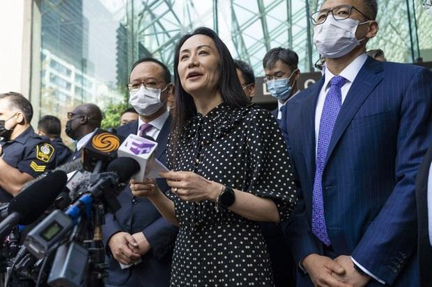 Công chúa Huawei chính thức được tự do sau 3 năm bị giam lỏng, lập tức thuê trọn chuyến bay về Trung Quốc - Ảnh 1.