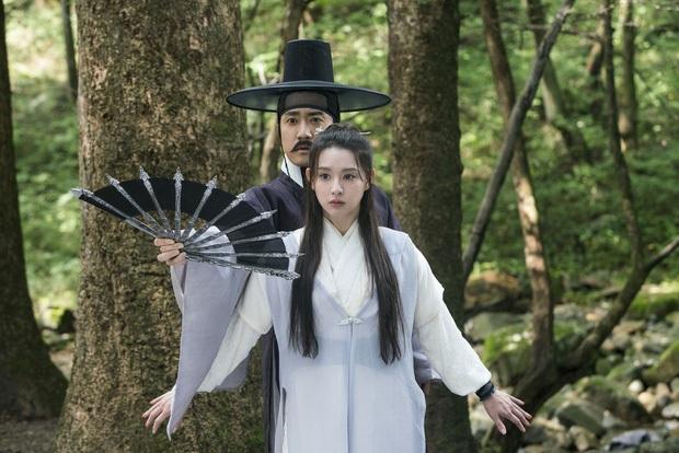 6 sao Hàn khiến fan năn nỉ đừng đóng cổ trang: Lee Min Ho đẹp cỡ nào cũng thấy sai, Park Seo Joon bị gọi là thảm họa - Ảnh 11.