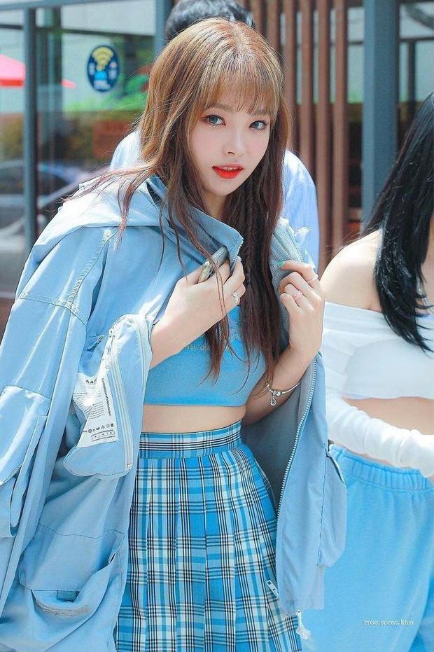 Phát hiện bản sao giống hệt Jennie (BLACKPINK), hoá ra lại là dancer quen mặt của Baekhyun, Kang Daniel? - Ảnh 4.