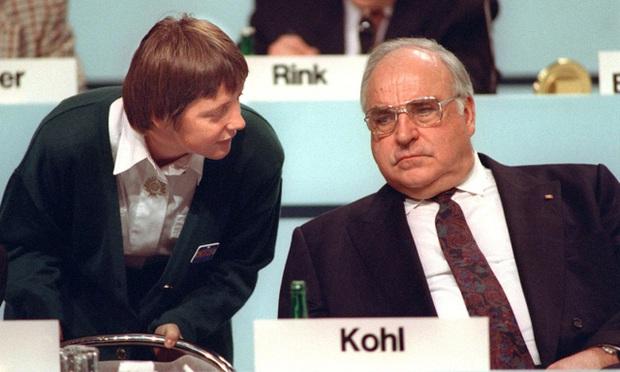 Bà Merkel trở thành Thủ tướng Đức đầu tiên rời nhiệm sở theo nguyện vọng cá nhân - Ảnh 1.