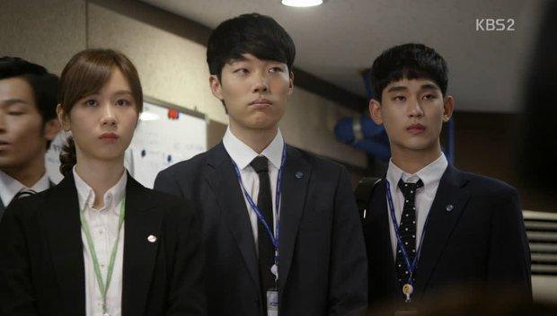 Ngỡ ngàng 4 nam thần Hàn từng bị chê xấu xí, nhìn Kim Soo Hyun - Lee Jong Suk lúc này mấy người đã hối hận chưa? - Ảnh 7.