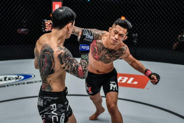 Võ sĩ gốc Việt Martin Nguyễn buồn bã, lên tiếng xin lỗi người hâm mộ sau trận thua bằng knock-out đáng tiếc - Ảnh 2.
