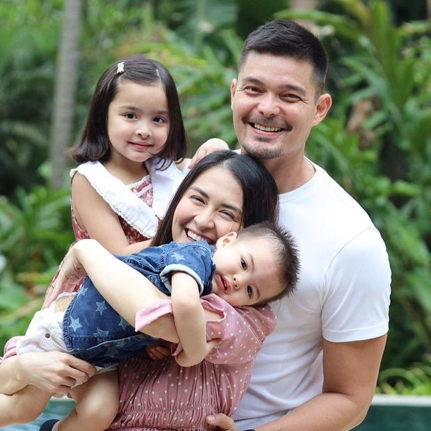 """Mỹ nhân đẹp nhất Philippines khoe 2 """"báu vật"""" cực phẩm: Con gái xinh như thiên thần nhưng mê nhất là nụ cười quý tử 2 tuổi - Ảnh 10."""