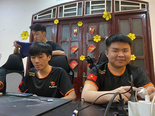 Team Flash xéo sắc gửi lời đến anti-fan, Gray cũng thách thức cộng đồng mạng sau trận thua BOX Gaming - Ảnh 4.