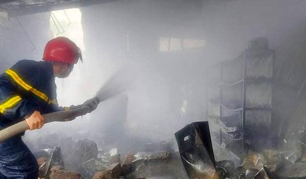 Cháy lớn ở cửa hàng gas, khói và lửa bốc cao hàng chục mét - Ảnh 5.