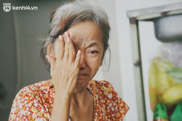 Gặp người vợ gục khóc cạnh xe lăn của chồng từng được Giang Kim Cúc giúp đỡ: Cô Cúc không liên lạc nữa, giờ cô chỉ mong được đi bán vé số lại - Ảnh 6.