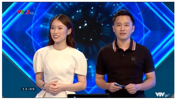 Hình ảnh đầu tiên của Khánh Vy trên sóng Olympia: Chuyên nghiệp và rạng rỡ với nụ cười thương hiệu - Ảnh 4.