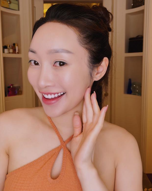 Vợ kém 16 tuổi của Chi Bảo tăng 8kg khi mang thai 6 tháng, nhan sắc sexy hết nấc - Ảnh 4.