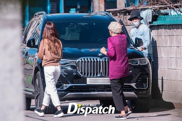Con gái Mama Chuê đăng ảnh đi chơi sương sương, không để lộ mặt nhưng netizen vẫn gọi luôn tên Lee Seung Gi - Ảnh 6.