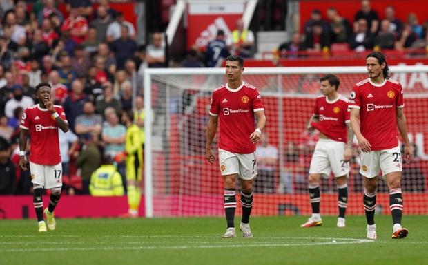 Ít phút sau khi MU nhận thất bại đáng quên, Ronaldo khiến các fan choáng váng bằng quả lỗi to tướng trên MXH - Ảnh 2.