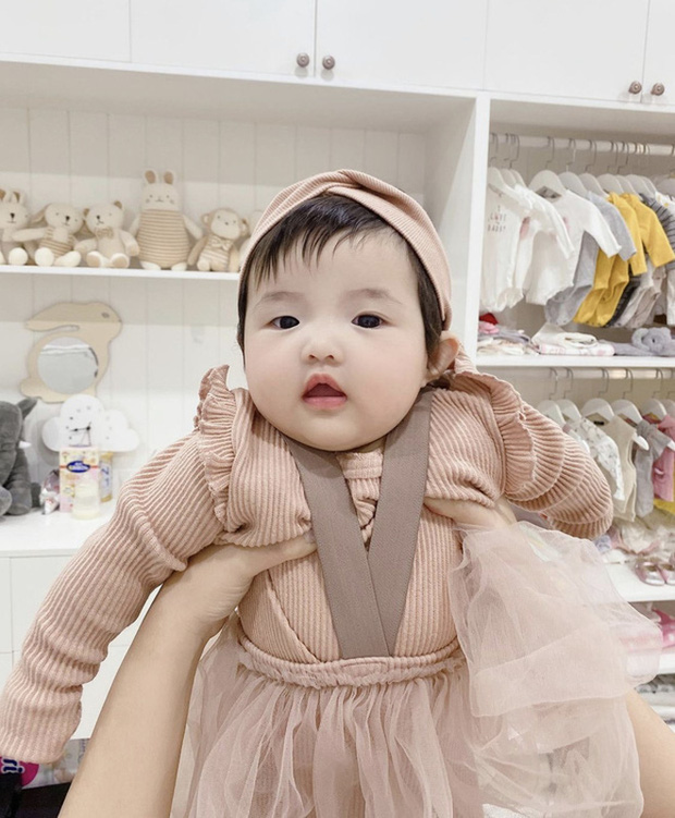 Phát hiện 1 thay đổi lớn của ái nữ tròn 11 tháng tuổi nhà Đông Nhi, là gì mà ai cũng phải khen dễ thương? - Ảnh 6.