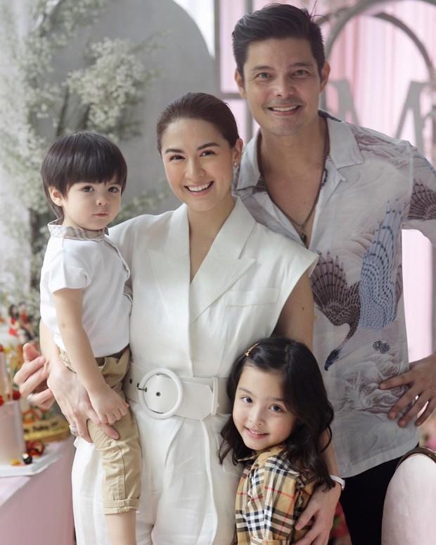"""Mỹ nhân đẹp nhất Philippines khoe 2 """"báu vật"""" cực phẩm: Con gái xinh như thiên thần nhưng mê nhất là nụ cười quý tử 2 tuổi - Ảnh 12."""