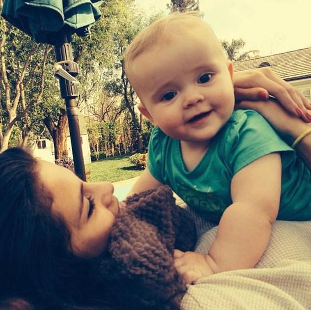 Selena Gomez mãi mới chịu khoe em gái: Visual xinh xỉu như mẫu nhí, nhìn lại thảm đỏ Frozen 2 mới thấy khác biệt hẳn - Ảnh 8.