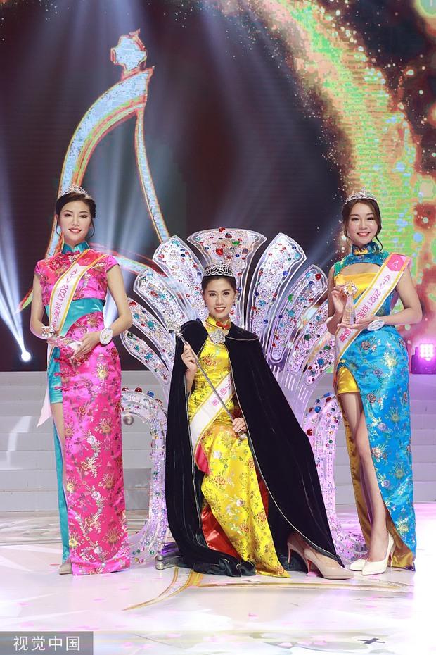 Tân Hoa hậu châu Á 2021 gây tranh cãi vì nhan sắc, thí sinh bụng mỡ bèo nhèo bỗng giành spotlight đêm Chung kết - Ảnh 4.