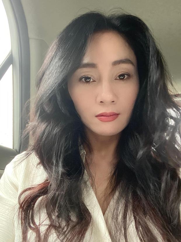 Bà Xuân (Hương Vị Tình Thân) khoe visual sang xịn như gái đôi mươi, netizen gọi con dâu Phương Oanh vào học hỏi! - Ảnh 2.