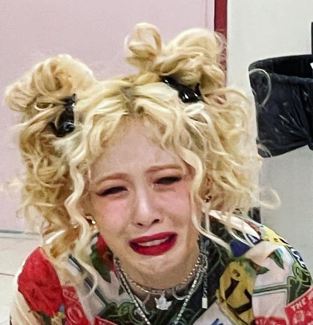 HyunA có meme để đời khiến netizen đồng loạt thả haha, biết câu chuyện cảm động đằng sau quay xe xin lỗi không kịp! - Ảnh 2.