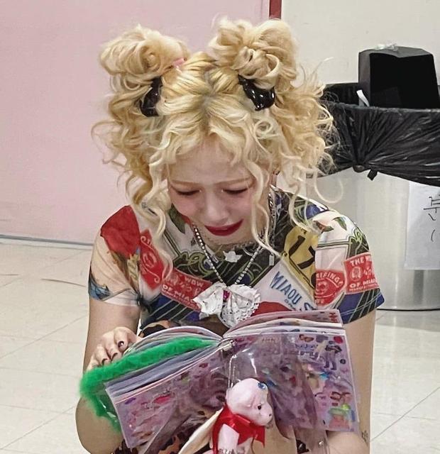 HyunA có meme để đời khiến netizen đồng loạt thả haha, biết câu chuyện cảm động đằng sau quay xe xin lỗi không kịp! - Ảnh 4.