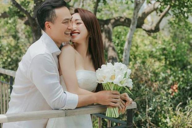 Vợ kém 16 tuổi của Chi Bảo tăng 8kg khi mang thai 6 tháng, nhan sắc sexy hết nấc - Ảnh 9.